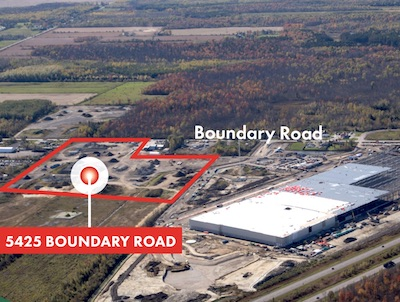"IMAGE: This 30-acre site adjacent to the new Amazon distribution centre in Ottawa is one of several tracts in the area now up for sale. Credit the sudden interest in the region to the ""Amazon Effect"", according the brokers CBRE.(Courtesy CBRE)"