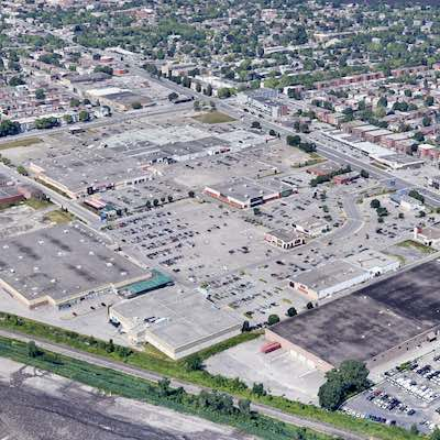 IMAGE: SmartCentres REIT is offering up to one million square feet of rent-free space in shopping centres across Canada to government/health authorities to support COVID-19 treatment and relief efforts. (Google Street View)