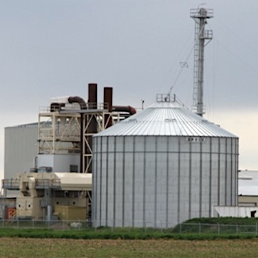 IMAGE: EarthRenew's Strathmore facility creates both fertilizer and energy from manure. (Courtesy EarthRenew)
