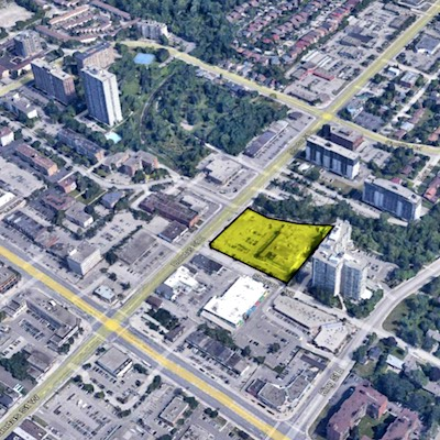 IMAGE: Almega Co. and Windsor Private Capital have acquired this Cooksville retail site in Mississauga, planning to redevelop it into a mixed-use residential property. (Courtesy Almega)